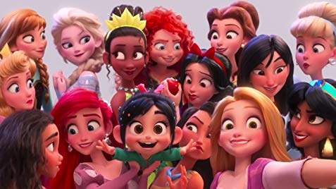 Vanellope Von Schweetz alongisde other Disney princesses.