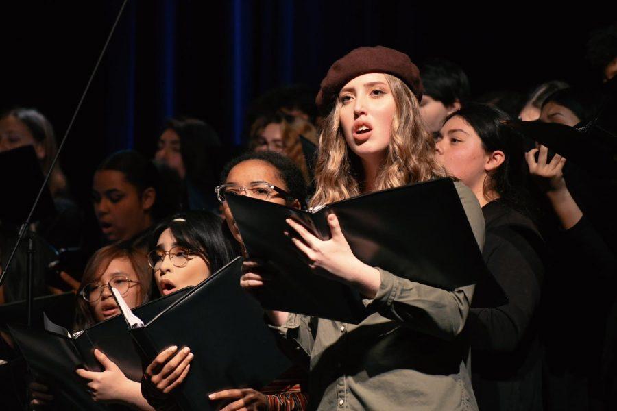 Genevieve Rochblatt sings