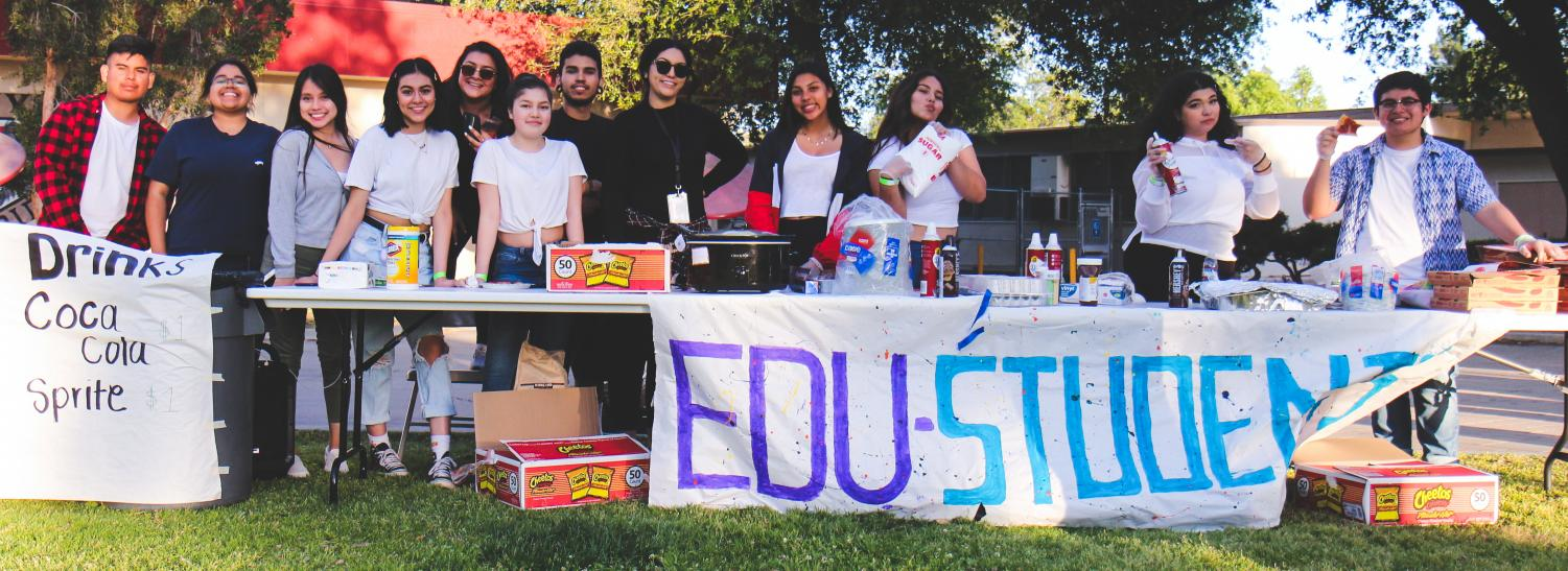 Educare students sold pizza, chips and beverages at the quad.