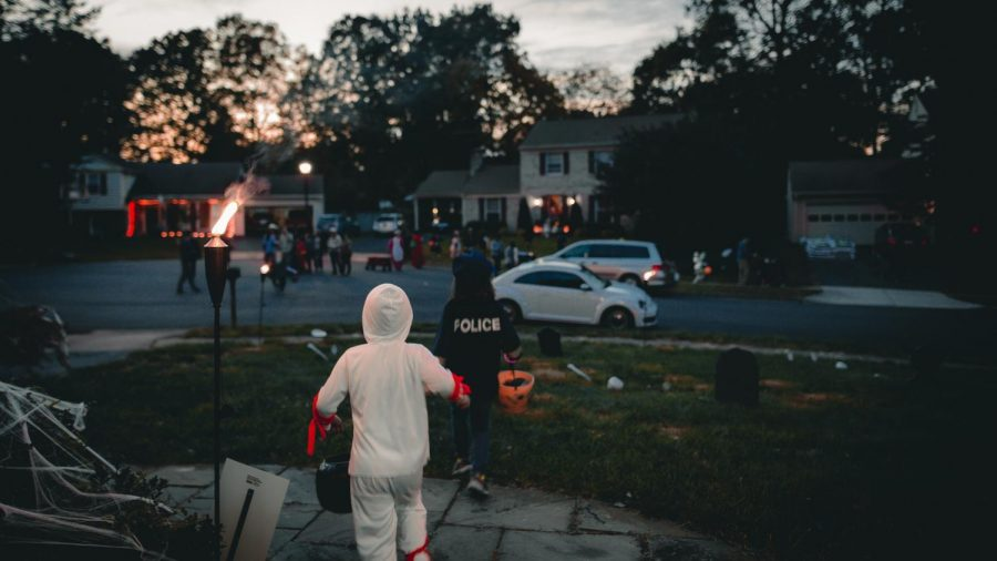 Trick-or-treating+is+a+longstanding+American+tradition+that+is+declining.+We+must+save+it.+