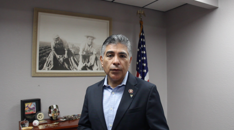 WATCH: California Congressman Tony Cárdenas addresses high school seniors