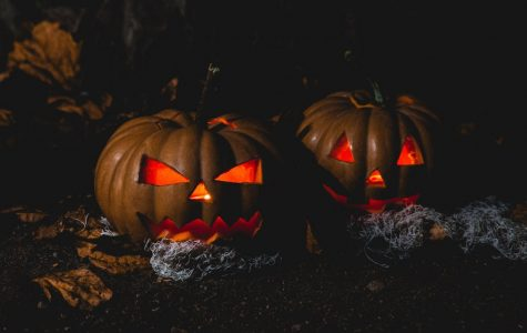 The covid-19 pandemic has caused the CDC to suggest guidelines for Halloween this year.