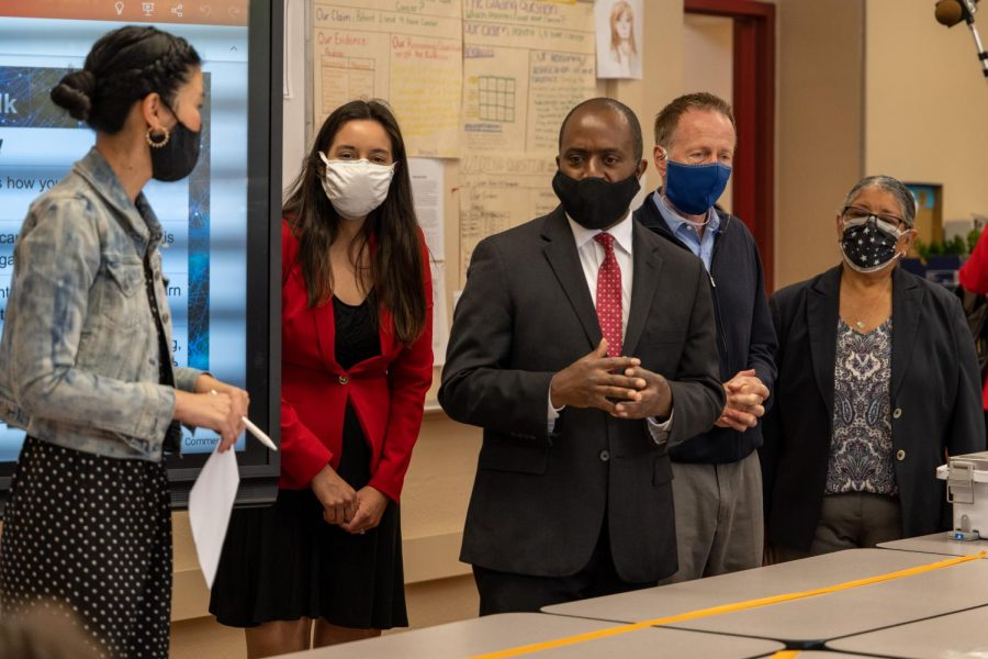 LAUSD Superintendent Austin Beutner, California Department of Education Superintendent Tony Thurmond, LAUSD District 6 board member Kelly Gonez, VNHS Principal Yolanda Gardea, address students in biology teacher Peggy Shim's advisory class.