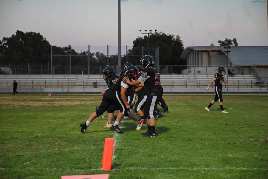 The Wolves warm up before their game against San Fernando.
