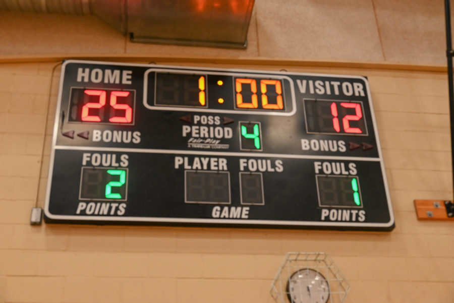 The fourth and final set of the girls senior night was a decisive victory for the home squad.